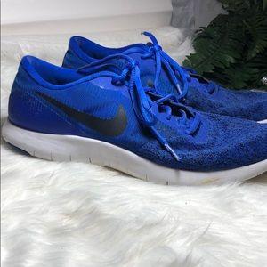 Nike flex light weight tennis shoes